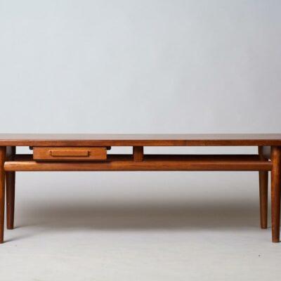 Torbjørn-Afdal-coffee-table
