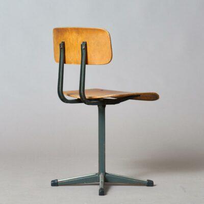 Children's-chair-ahrend-kramer