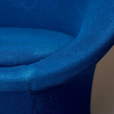blue-midcentury-lounge-chair