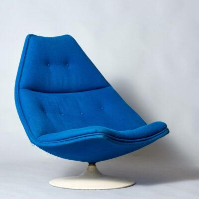 Harcourt-artifort-blue-lounge-chair