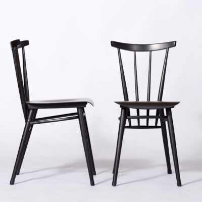 black-dining-chairs-minimal-design