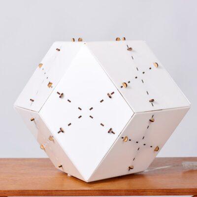 geometric-shaped-floorlamp-plexiglas