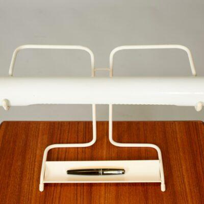 pencil-holder-white-desk-lamp