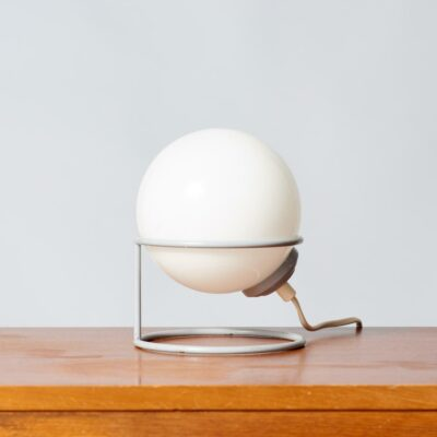 vintage-table-lamp-globe