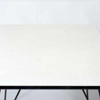 elsrijk-wolff-table-black-metal-white-table-top