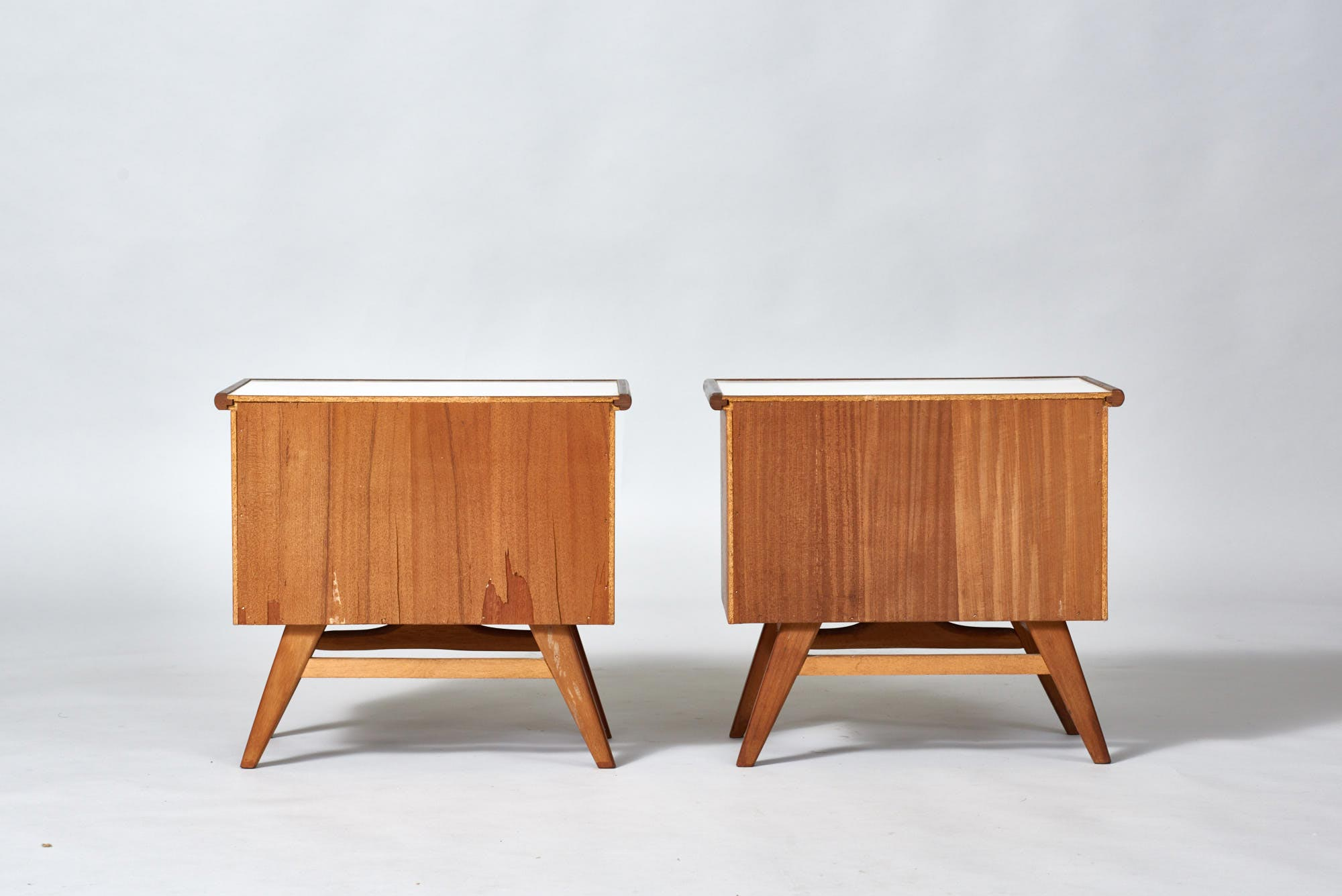 Picture of: Bedside Table 1960 S Kuhne Design Design Classics