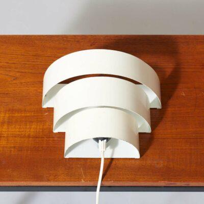 anvia-dutch-modernist-wall-lamp