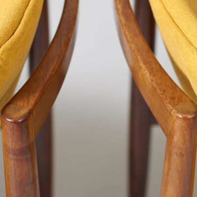 fristho-franeker-dining-chairs-rosewood
