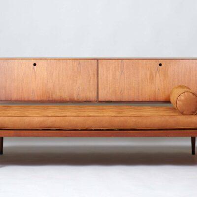 minimalistic-daybed-midcentury