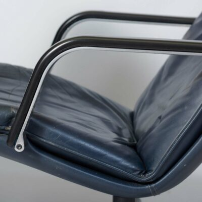 set-two-lounge-chairs-geoffrey-harcourt