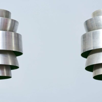 space-age-lakro-amstelveen-hanging-lamps