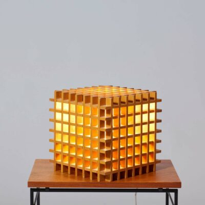 wooden-cube-table-lamp