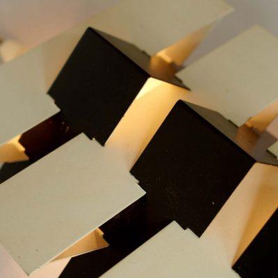 dutch-modernist-wall-lamp