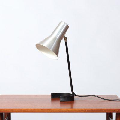 anvia-horse-shoe-table-lamp