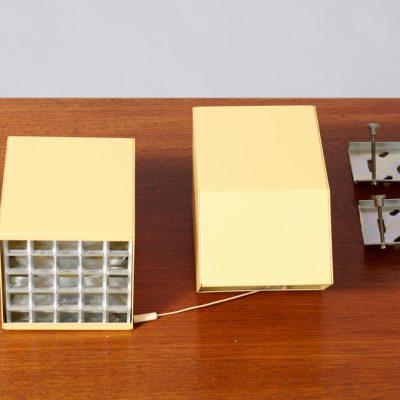 raak-wall-lamps-modernist
