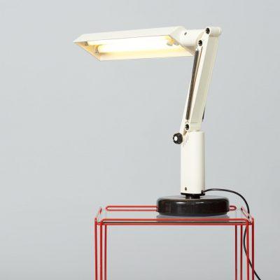 Fagerhults-Sweden-A&E-Design-desk-lamp